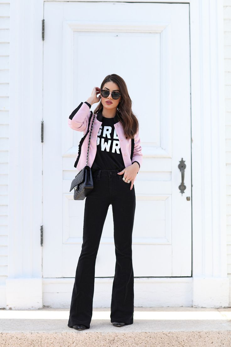 Camila Coelho (Super Vaidosa) Calça - Paige T-shirt - Two Songs Casaco - Zaide Xacur Óculos - Dior Bolsa - Chanel Bota - Calvin Klein Março/2016