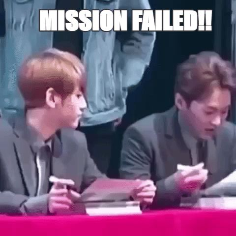 Baekhyun was trying to do what Xiumin was doing with his marker.....