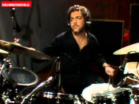 "The ""Gadd Flutter Lick"" - The Classic Steve Gadd Ghost Note Drum Lick - Recorded with Zoom Q4 - YouTube"