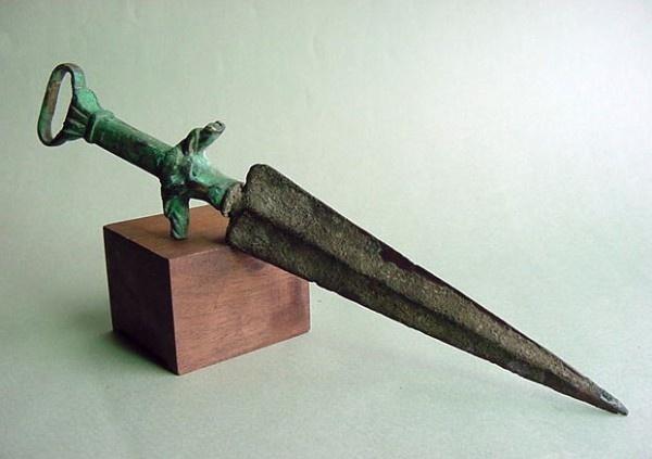 Roman Dagger    50AD-200AD