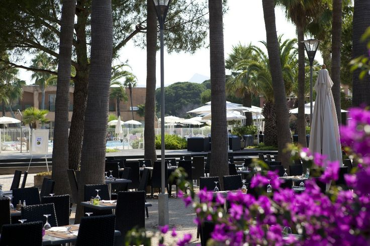 Restaurants privatisables situé à Mandelieu, accueille jusqu'à 300personnes dont 150 en terrasse. - LE RIVIERA MANDELIEU