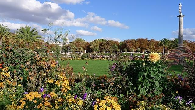 Luxembourg Gardens, Paris 6 (CW18)