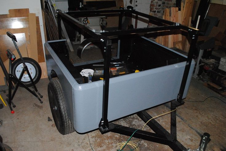 Assembling the tub panels on my demo Dinoot J-Series Jeep  trailer. Rear  Panel