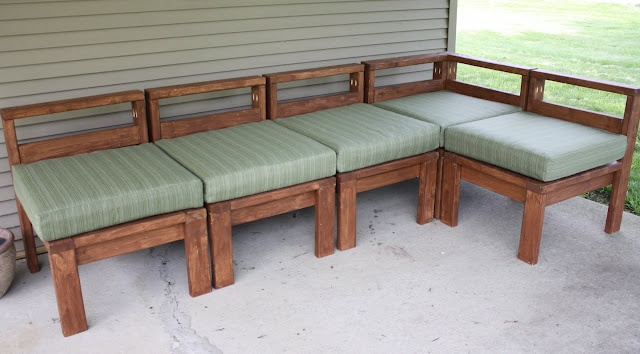 DIY sectional for the patio made with 2x4's for about $100