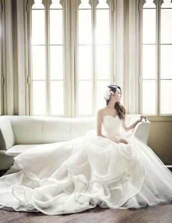 봄을 위한 웨딩드레스 컬렉션-4 : 매거진캐스트