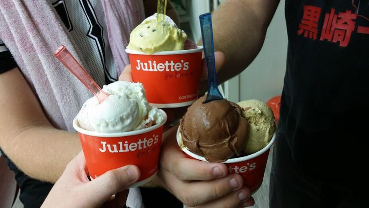 #IceCream #Juilettes #TheStrand #Townsville #Beach #YoungLove #NewlyWeds @MrMrsBrown13 www.facebook.com/MrMrsBrown13 www.instagram.com/MrMrsBrown13 www.twitter.com/MrMrsBrown13