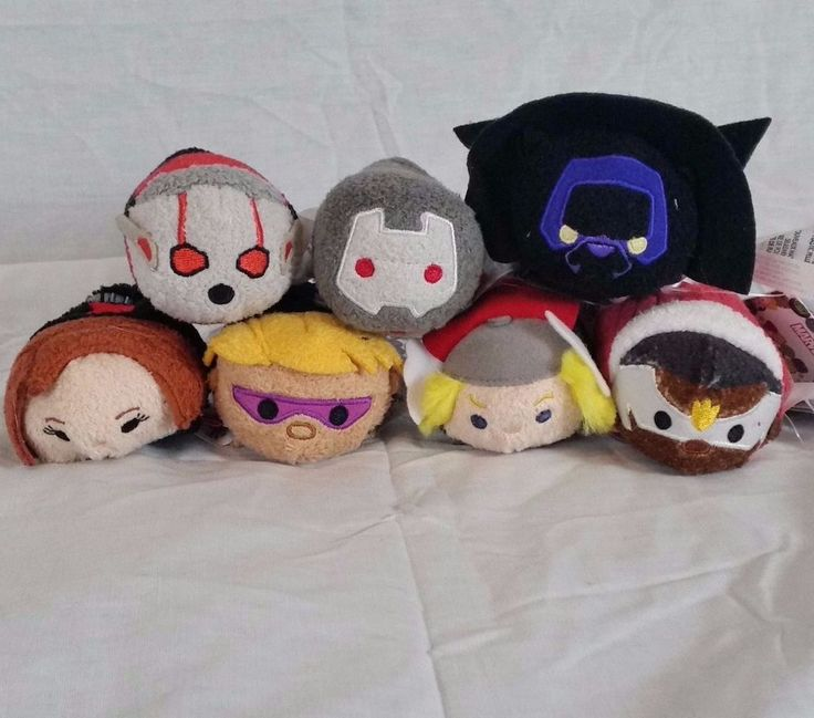 Disney Tsum Tsum plushes. Great start to an Avengers tsum tsum collection. Includes: Thor, Black Widow, Hawkeye, Ant Man, Blank Panther, War Machine, and Falcon