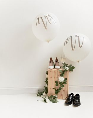 Ginger Ray 36 inch Mr and Mrs Wedding Balloons
