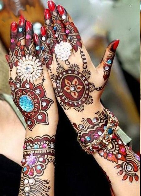This is the most colorful mehndi design I have seen so far..