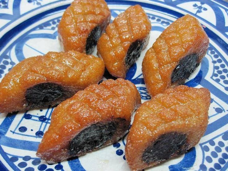 Moroccan famous cookie called Makroot, it's made of semolina and dates