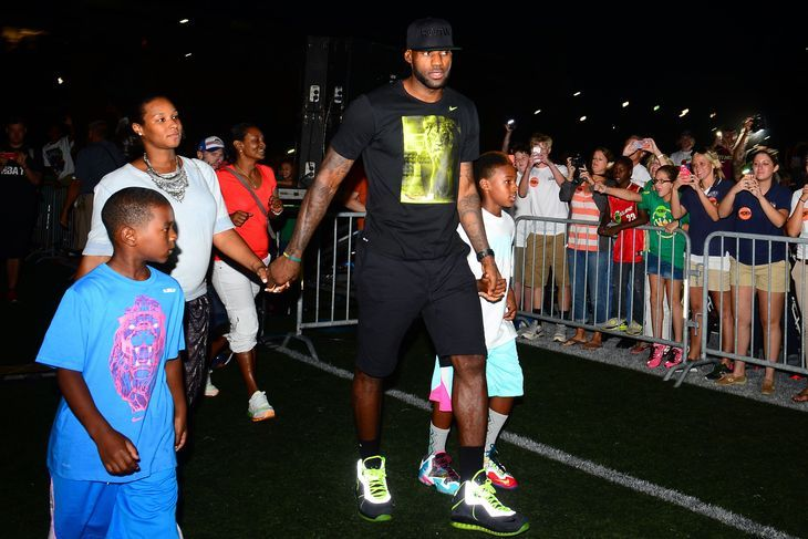 LeBron James Will Pay for Over 1,000 Kids to go to College