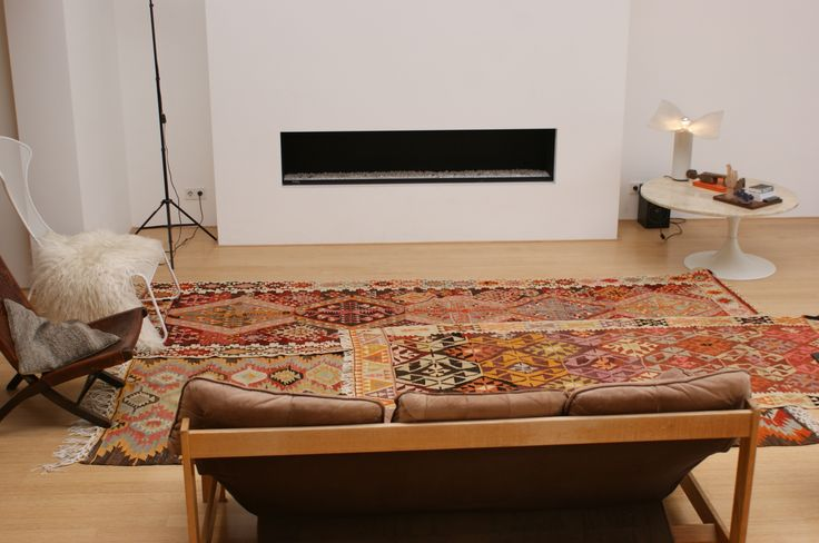To cover more space, use 2 kilims
