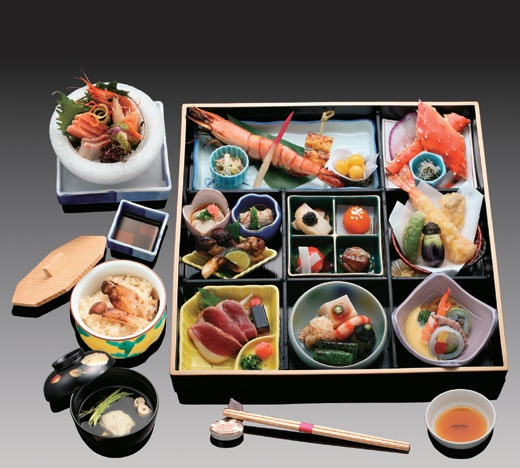 Kaiseki is a tradional Japanese dinner. It's nice and beautiful…