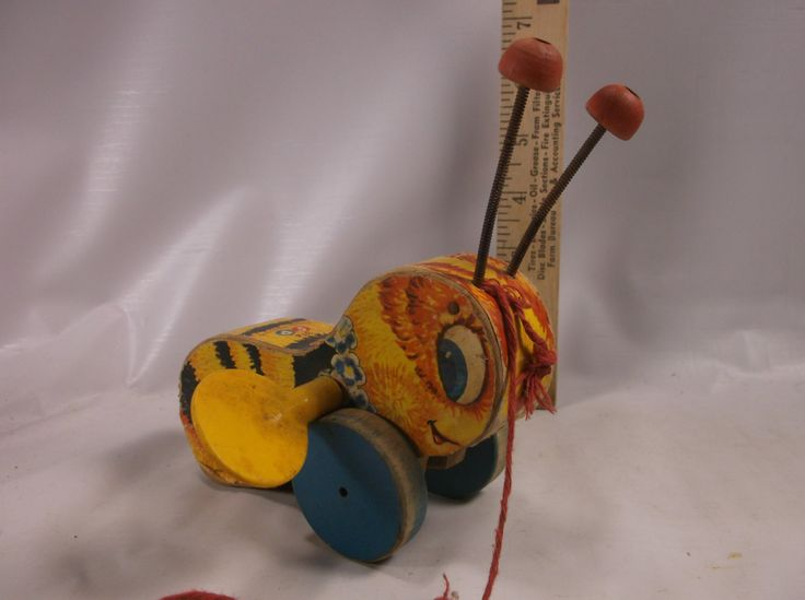 Vintage Fisher Price #325 BUZZY BEE Pull Toy - WORKING.epsteam