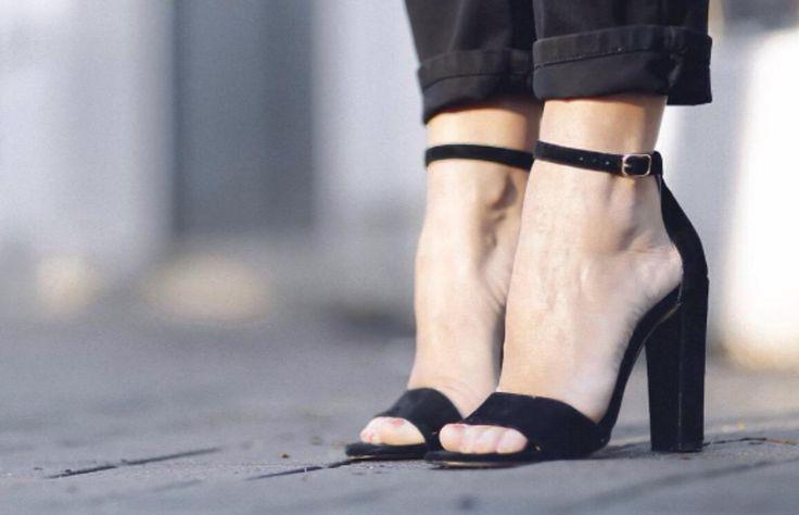 Llegaron las vacaciones, y con ellas la oportunidad de lucir el mejor estilo veraniego, empezando por tus zapatos. En Steve Madden encontrarás las mejores opciones para sobrevivir al verano con los mejores looks. Aquí los cinco indispensables.