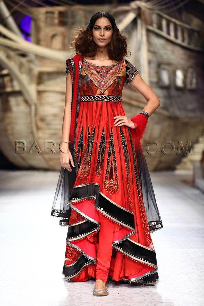 JJ Valaya's Collection At Indian Bridal Fashion Week 2013
