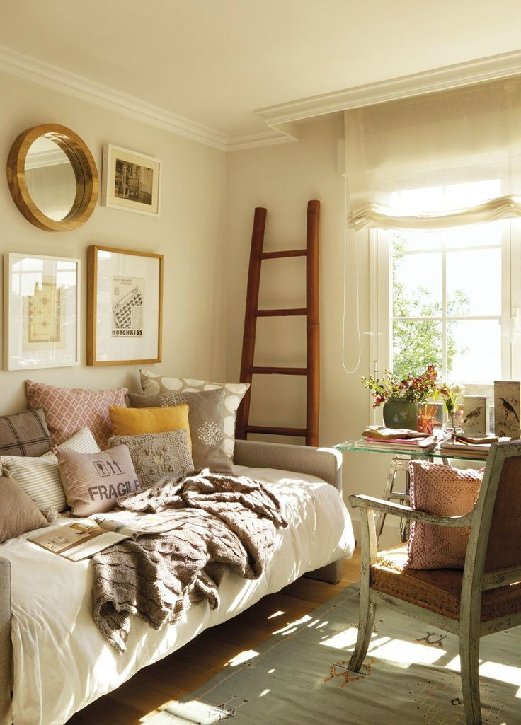 Small Great Room Designs: 10 Tips For Great Small Guest Bedroom Ideas