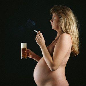 Het moment van gedragsverandering in het leven van de vrouw is het grootst op het moment dat ze zwanger wil worden en /of is. Dit geldt niet alleen voor stoppen met roken en alcohol gebruik maar ook op het gebied van voeding en leefstijl.