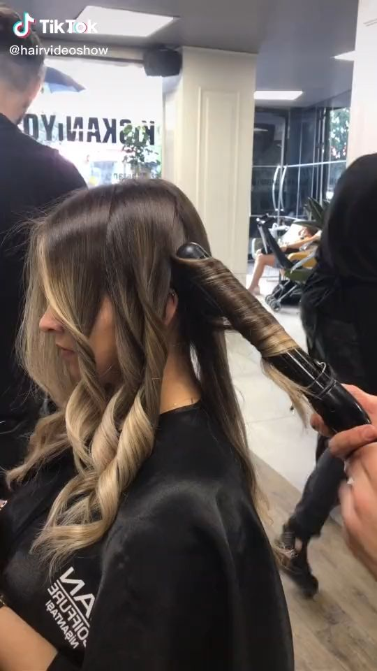 Mexican Wave. [Video] in 2020 | Colored hair tips, Hair ...