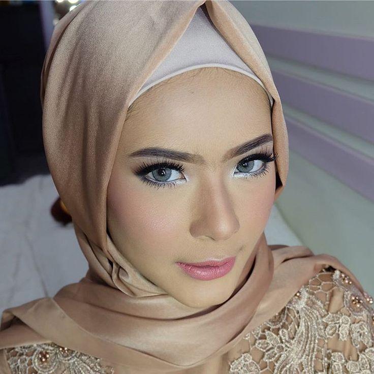 Hijab Wedding Veil / Muslim Brides / Akad Nikah Makeup / Wedding Make Up by hepidavid on Instagram ☁ @terosha ☁