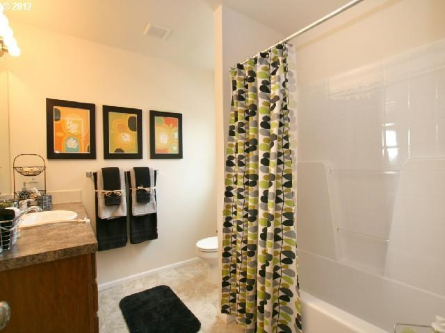 Bathroom staging house ideas pinterest bathroom staging for Staging bathroom ideas
