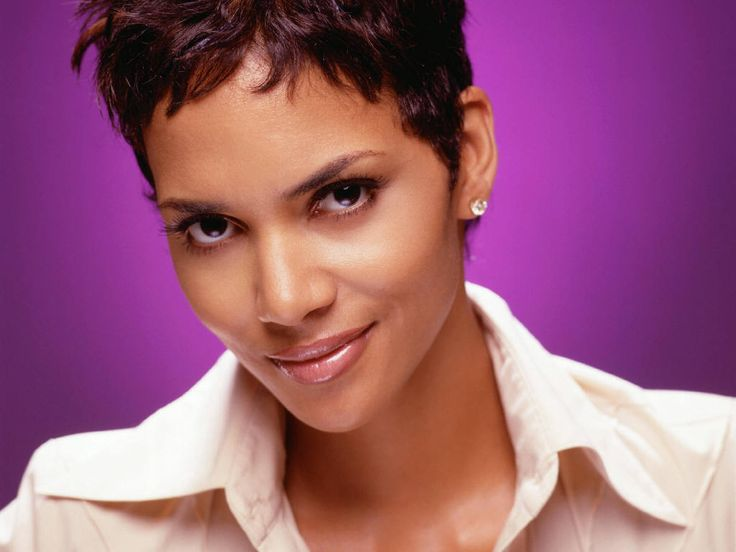 Halle Berry: Being Related to Sarah Palin The Worst Thing You Can Imagine