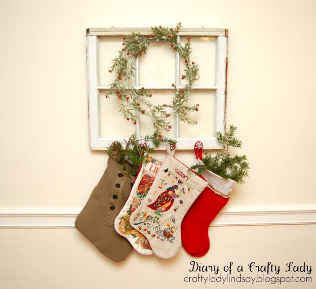 Picture frame stocking hanger can sorta