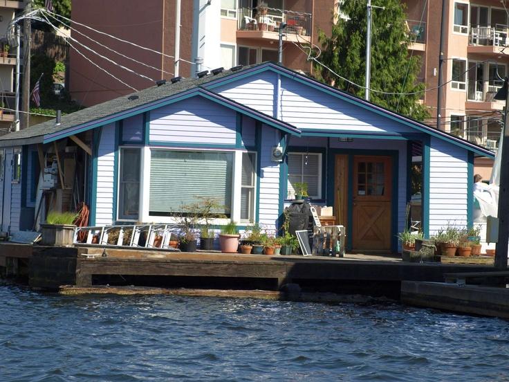 1000 images about houseboats floating homes on pinterest lakes hamburg and meg ryan. Black Bedroom Furniture Sets. Home Design Ideas