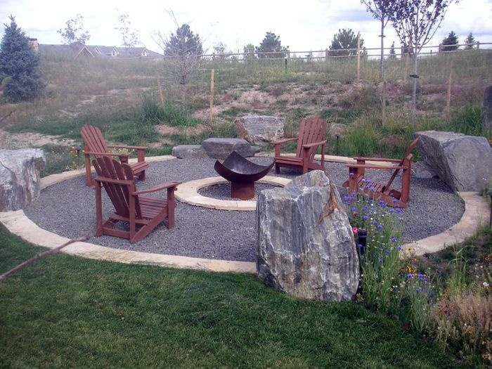 27 best images about landscape around patio on pinterest for Gravel around fire pit