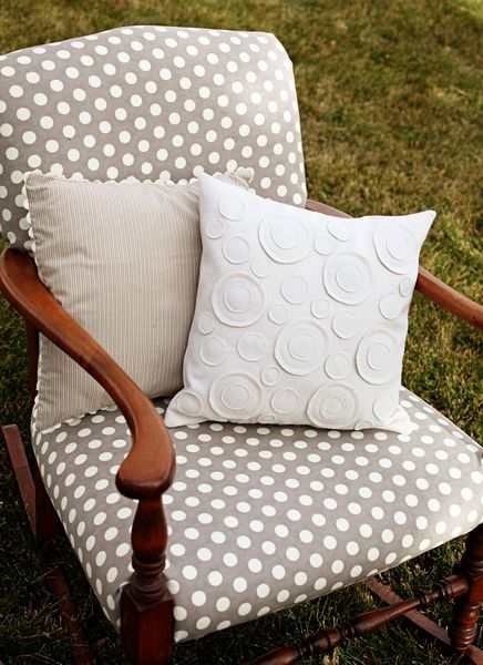 Love This Grey And White Polka Dotted Chair! Super Cute White Circle Throw  Pillow, Too!