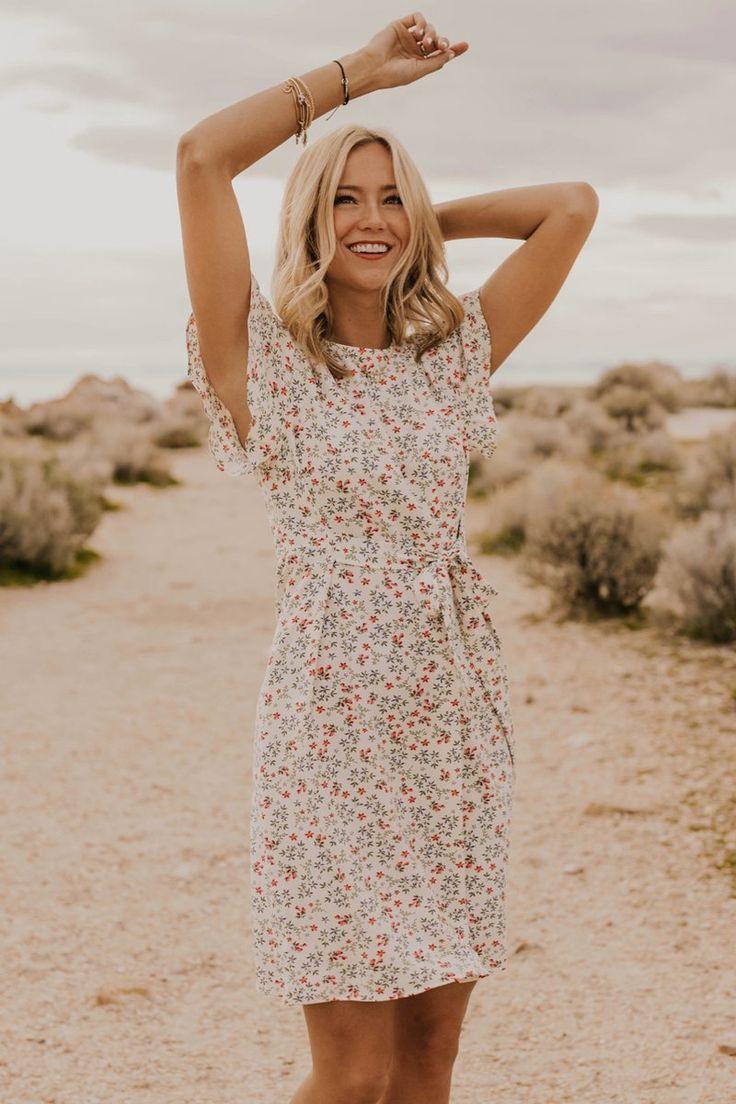 Jett Floral Dress in 2020 | Bescheidene kleider, Kleider ...