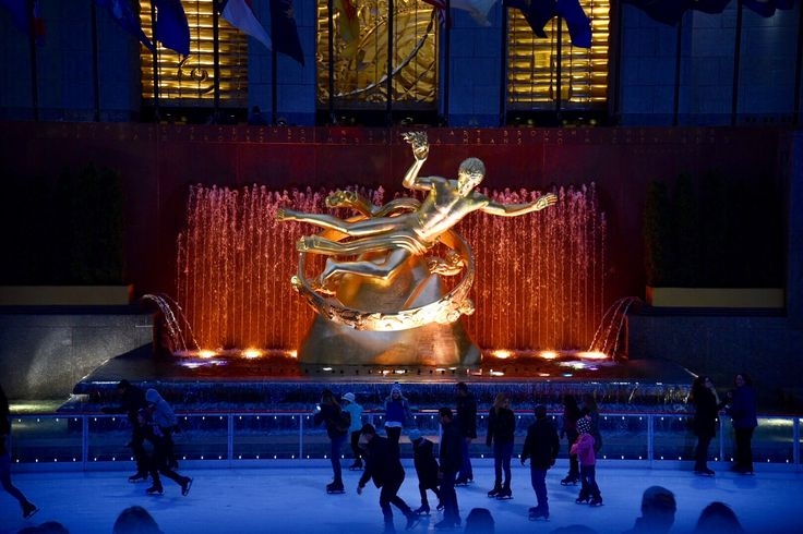 Rockefeller Center Statue ✨🗽🇺🇸 #bethanylavinphotography