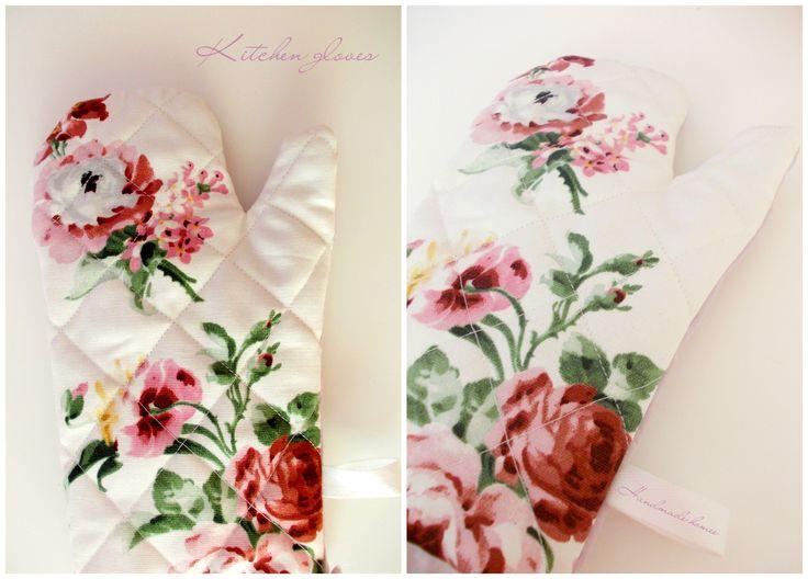 Kitchen gloves - roses :)