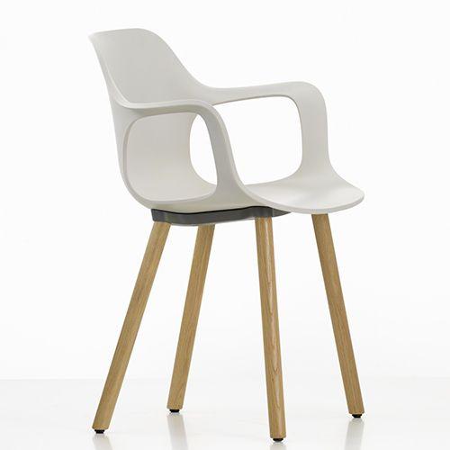Hal Armchair Wood er en ny serie fra Vitra. Ergonomisk mødestol / konferencestol i sort, hvid, grøn, isgrå, teglrød, beige, chokolade eller orange plast. www.moffice.dk
