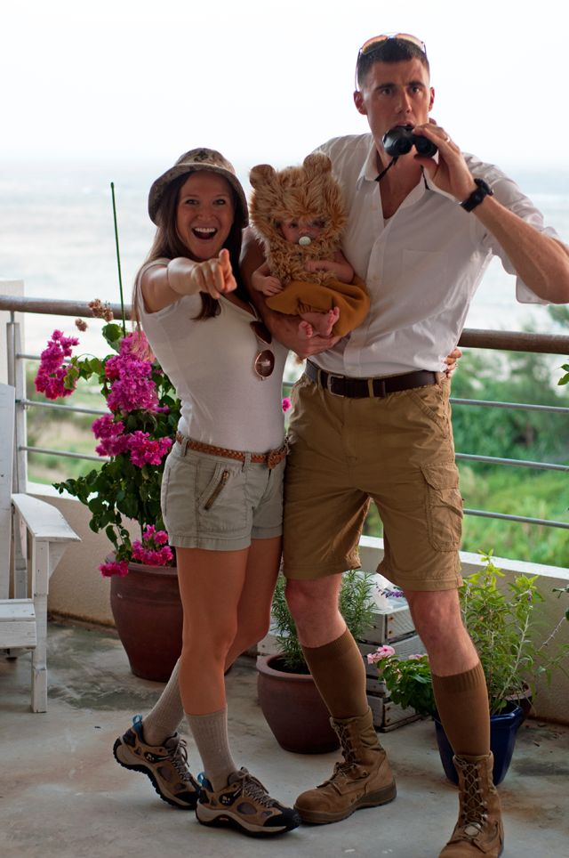 Halloween safari baby + parents, via Marshalls Abroad Oh my gosh That's beyond adorable