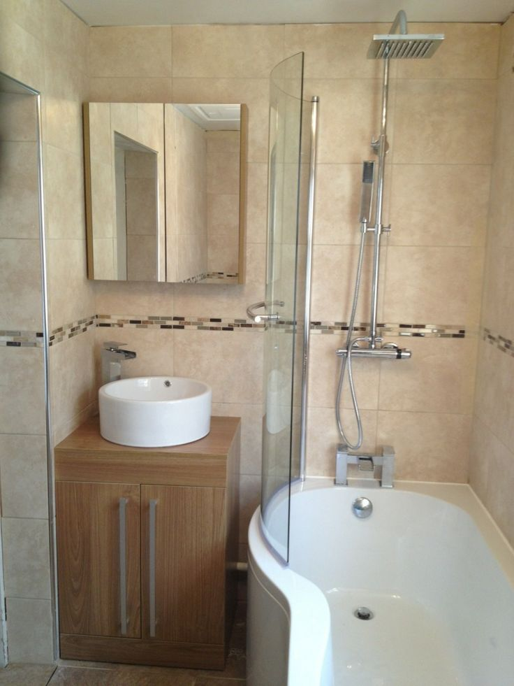 Michael from Tredegar uses a mix of modern bathroom furniture including a counter-top basin and bath shower combination to create a stylish bathroom. #VPShareYourStyle