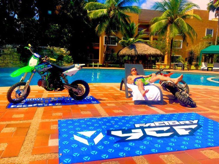 Descansando en MACHALA (HOTEL ORO VERDE )  ECUADOR 🇪🇨 CHILLING🔥☀️💯 #pitbike #kankafmx #ride #backflip #ycfriding #ycf #ycffamily #etnies #bullpark13 #bullpark13barcelona #latinamerica #latinamericaexperience #freestyle #pitbikes #freestylepitbikeshows #riding #moto #jump #air #tattooboy #ink #lifestyle #extremsport #kankaextremsportsbcn  INSTAGRAM @kankafmx FACEBOOK page :  KANKA EXTREM SPORTS BCN
