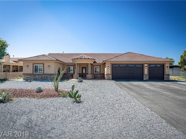3882 E Garfield Dr Pahrump Nv 89061 Mls 2069170 Zillow Zillow Homes House Styles Home
