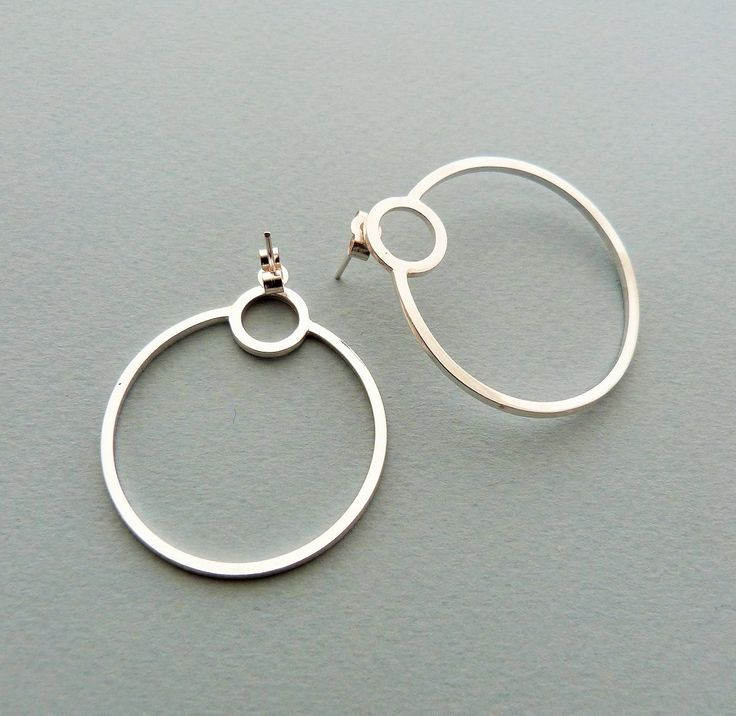 Single orbit hoops in silver // Minimal luxe handmade jewellery by Elin Horgan