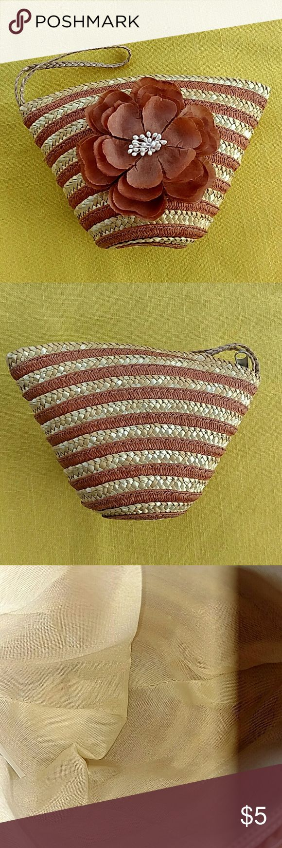 Straw purse Adorable little straw bag for that special occasion. Bags