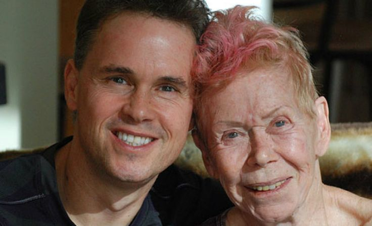 Последний совет от Луизы Хей - не запугивайте себя дурными мыслями30 августа 2017 года Луиза Хей скончалась в возрасте 90 лет… Но ее мудрые советы все еще живут и поддерживают нас.  [[MORE]]Мудрые советы Луизы Хей о том, КАК полюбить себя  1....