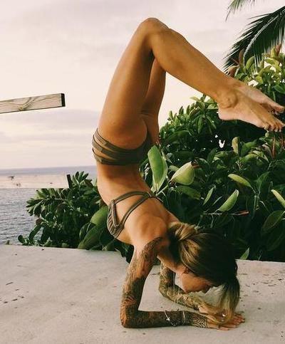 Yoga acalma a alma e aguça a mente. Siga-nos no Instagram para mais Kar …   – Yoga