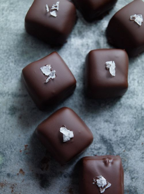Chewy Chocolate Caramels/Caramels mous au chocolat