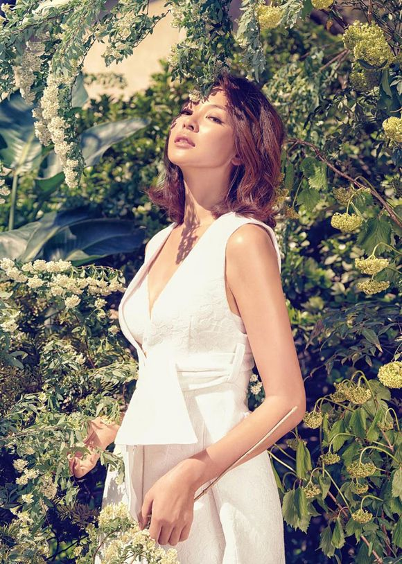 秋山成勲(韓国名:チュ・ソンフン)の妻でモデルのSHIHOのパーフェクトなプロポーションが注目を浴びている。ヨーロピアン・プレミアム・ランジェリーブランドCHANTY(シャンティ)が、SHIHOのボ… - 韓流・韓国芸能ニュースはKstyle