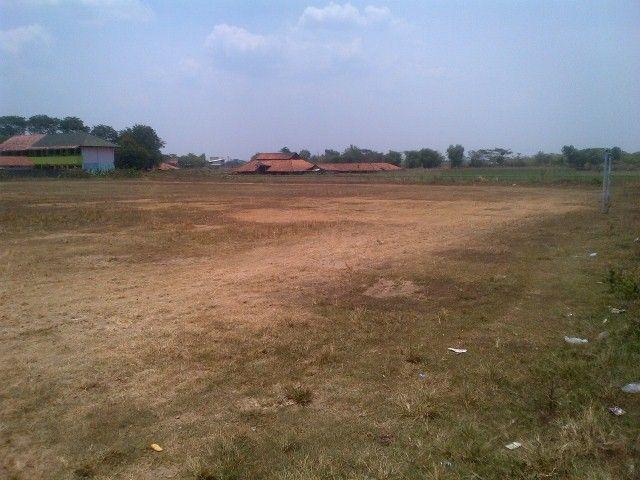 Tanah di Jl.Cikarang - Cibarusa dijual dan disewakan  Rp. 20.000.000/tahun ( Nego ) Harga Jual : Rp. 500.000 / m^2 call : 0816848724