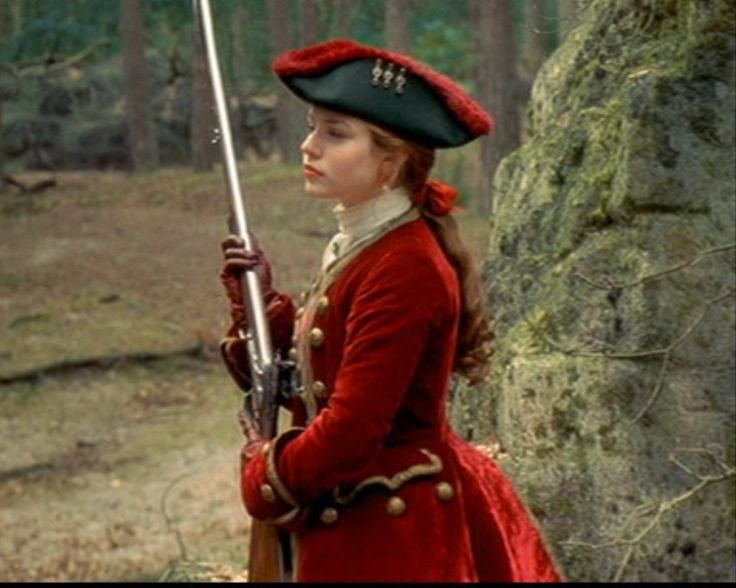 highwaywoman - rococco stylings:  the hair, the hat, the scalloped pockets and all those buttons!