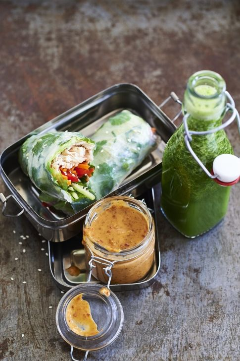 Een heerlijk healthy recept uit Rens Kroes' nieuwe kookboek: springrolls met kip – Bedrock