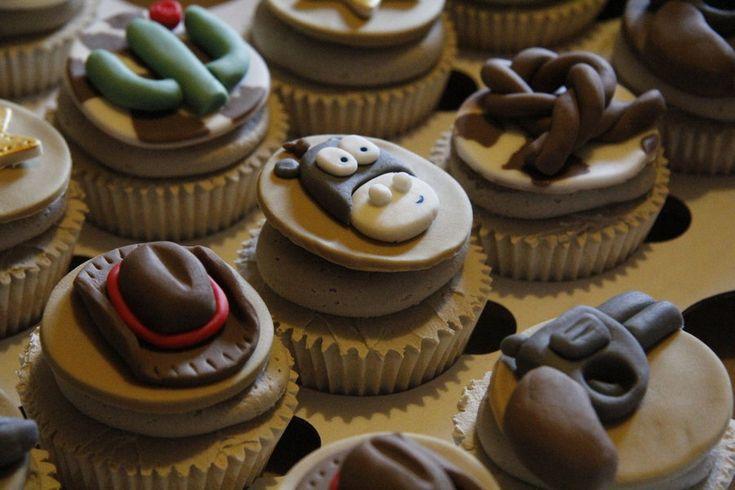 Western Cupcakes - by ClarasYummyCupcakes @ CakesDecor.com - cake decorating website