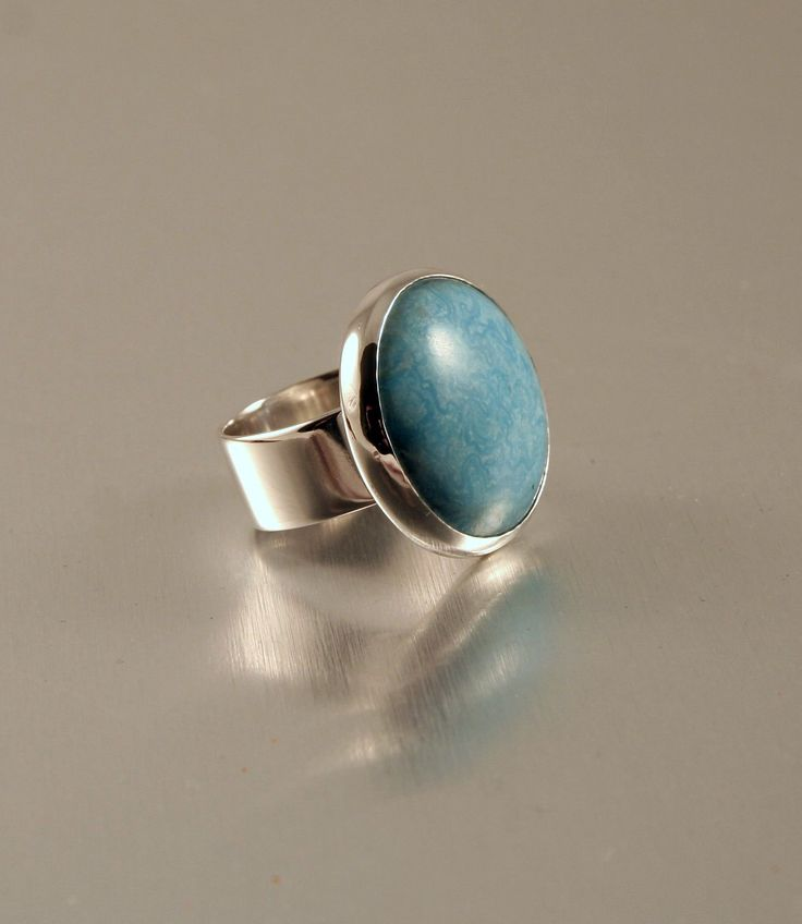 Silver ring with real turquose.
