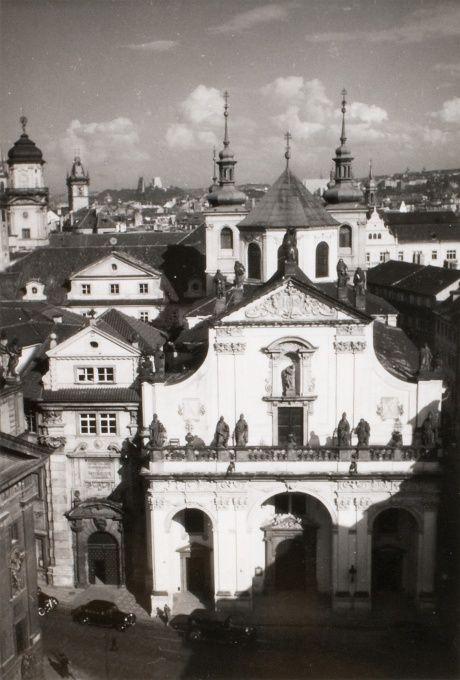JAN LAUSCHMANN (1901 - 1991) Křížovnické náměstí z Mostecké věže, 1935
